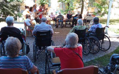 Pomeriggio di Musica e Ricordi per gli ospiti della Fondazione Madonna della Bomba Scalabrini