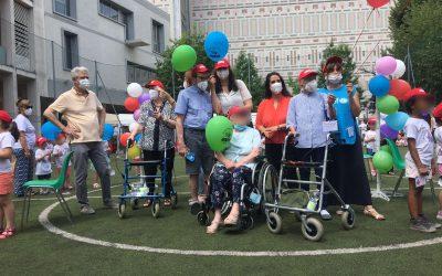 Grande festa alla Scuola Infanzia Dante per gli ospiti della Fondazione Madonna della Bomba